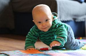 Календарь развития - Что должен уметь ребенок в 10 месяцев