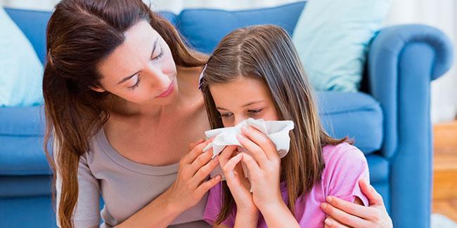 Аллергия на пыль у ребенка: как проявляется и что делать